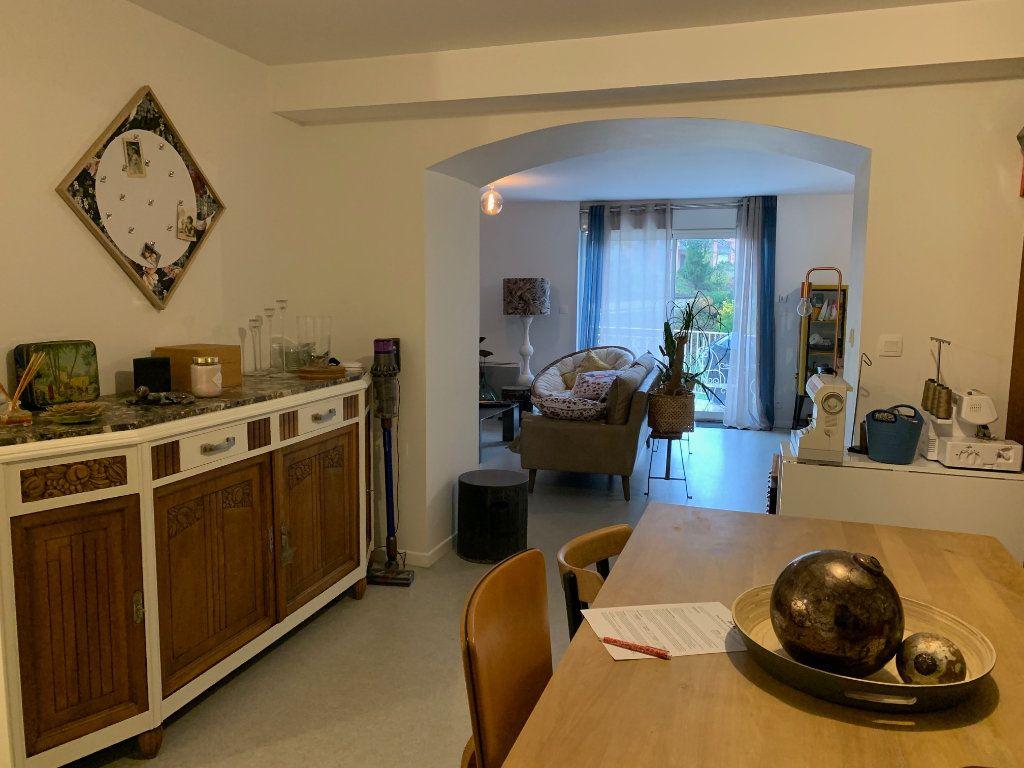 Appartement à louer 3 92m2 à Graulhet vignette-3