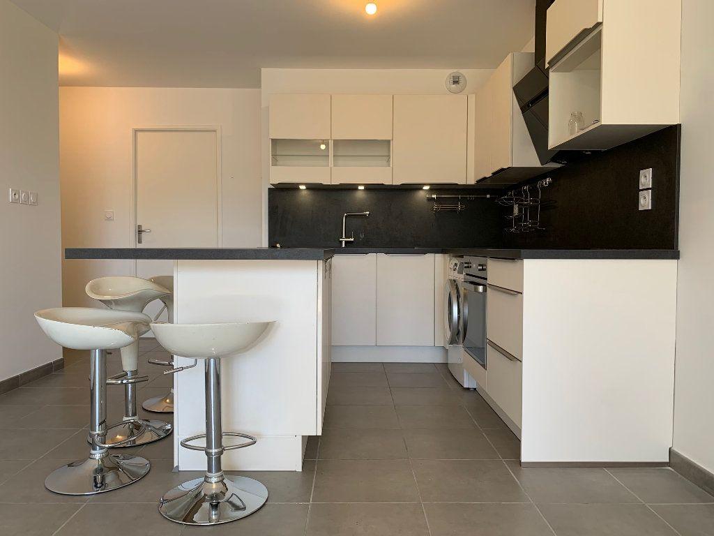 Appartement à louer 3 62.79m2 à Saint-Jean vignette-1