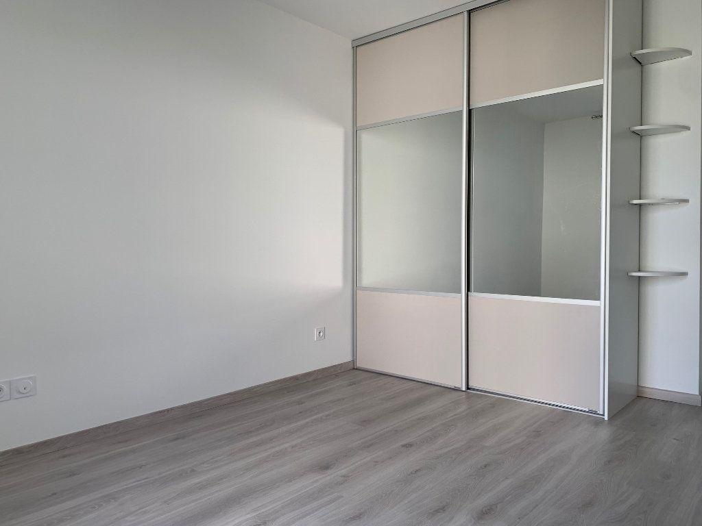 Appartement à louer 3 62.79m2 à Saint-Jean vignette-5