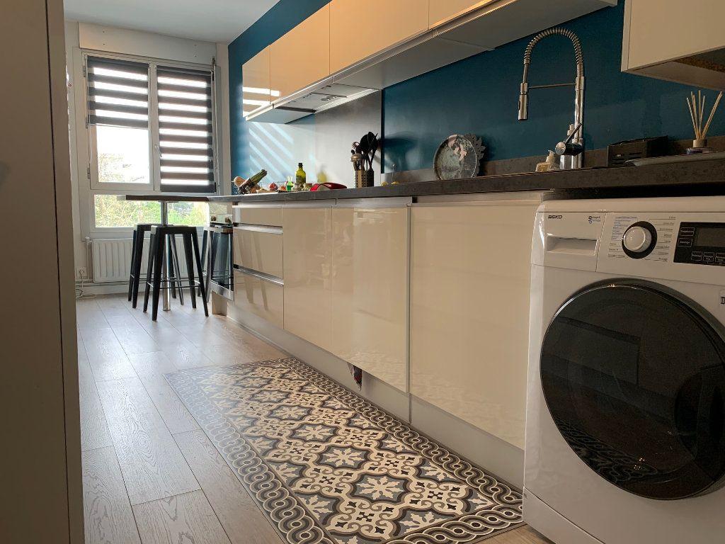 Appartement à louer 4 110.52m2 à Toulouse vignette-2