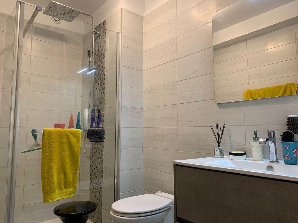 Appartement à louer 4 110.52m2 à Toulouse vignette-3