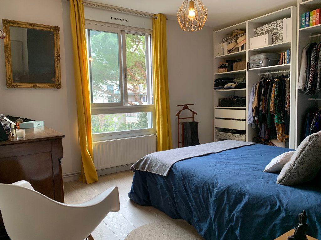 Appartement à louer 4 110.52m2 à Toulouse vignette-4