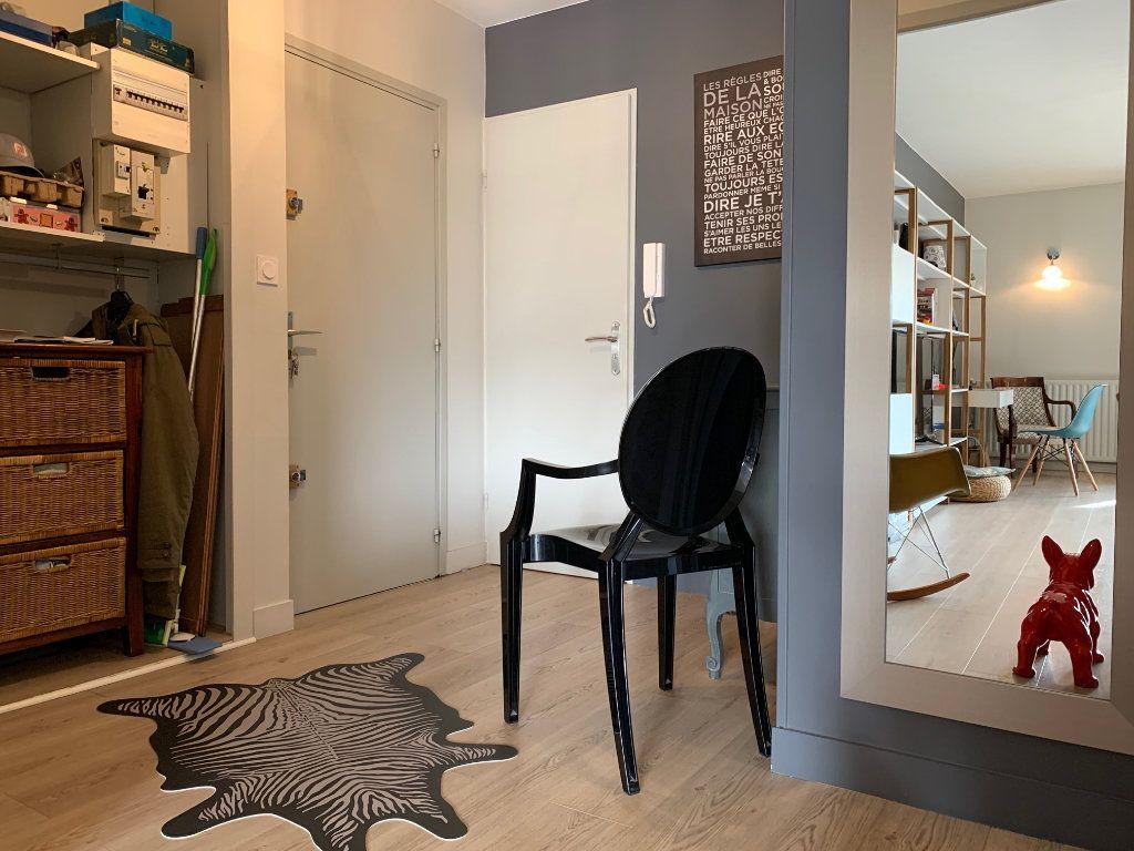 Appartement à louer 4 110.52m2 à Toulouse vignette-6