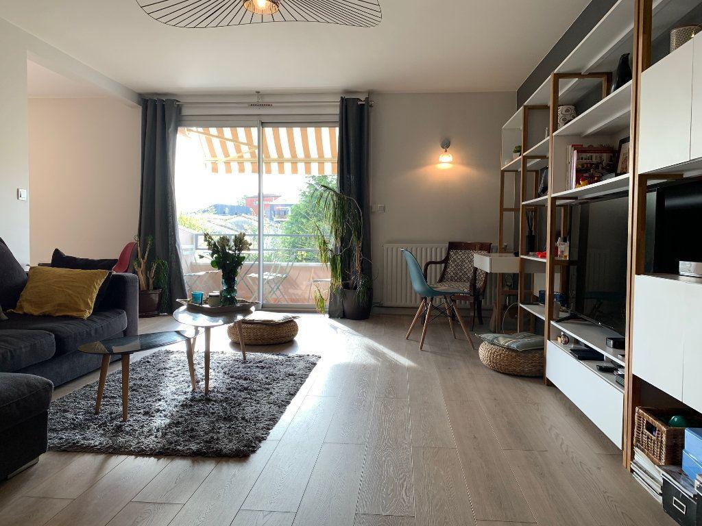 Appartement à louer 4 110.52m2 à Toulouse vignette-8