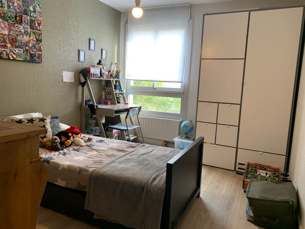Appartement à louer 4 110.52m2 à Toulouse vignette-9