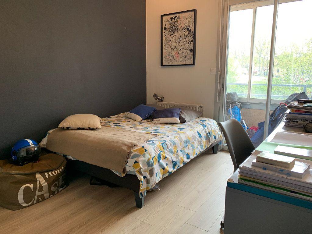 Appartement à louer 4 110.52m2 à Toulouse vignette-10