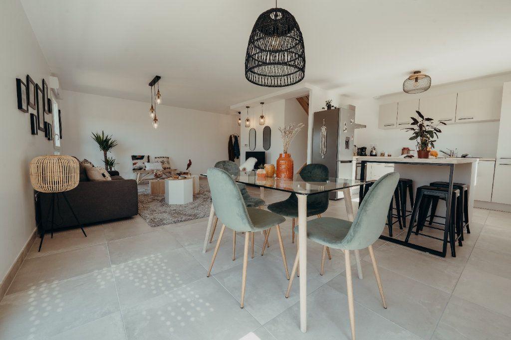 Maison à vendre 4 81.71m2 à Castelmaurou vignette-1