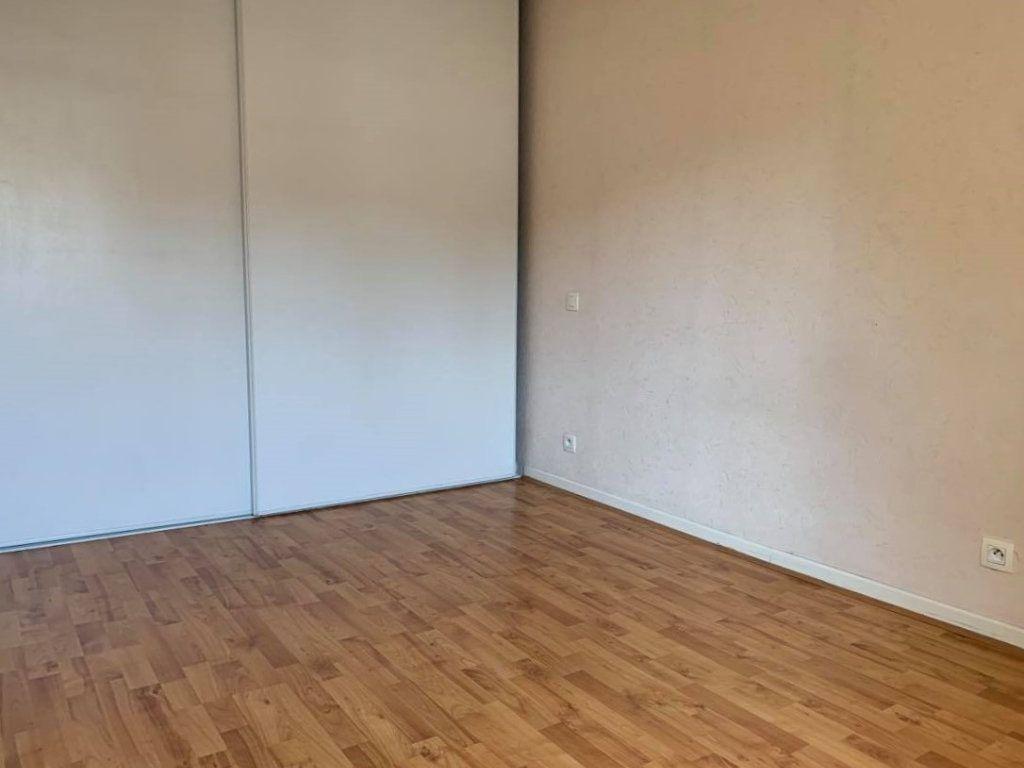 Appartement à louer 2 44m2 à Graulhet vignette-3
