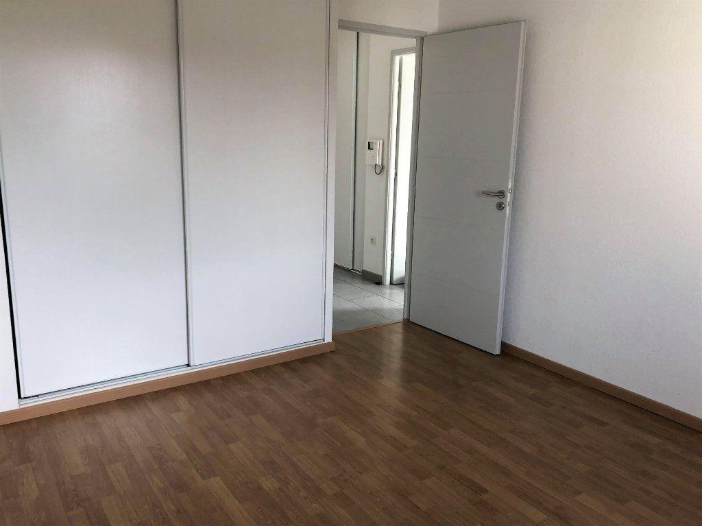 Appartement à louer 2 41.59m2 à Saint-Geniès-Bellevue vignette-3