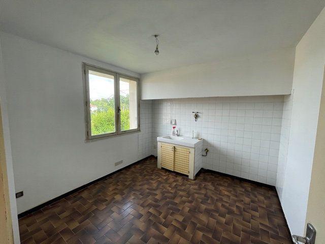 Maison à vendre 4 80m2 à Lapeyrouse-Fossat vignette-5
