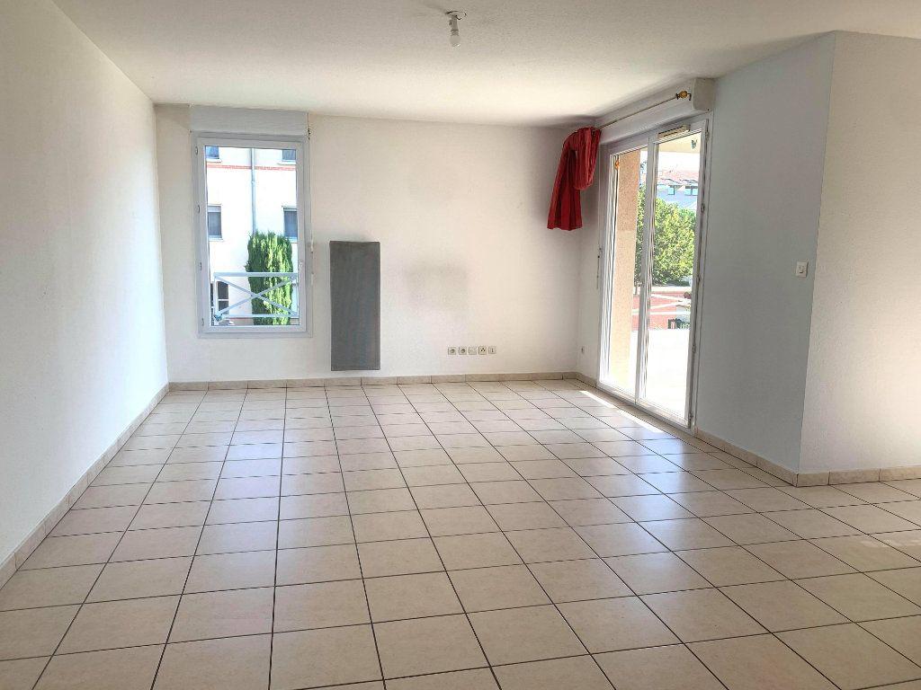 Appartement à louer 3 61m2 à Castelginest vignette-1
