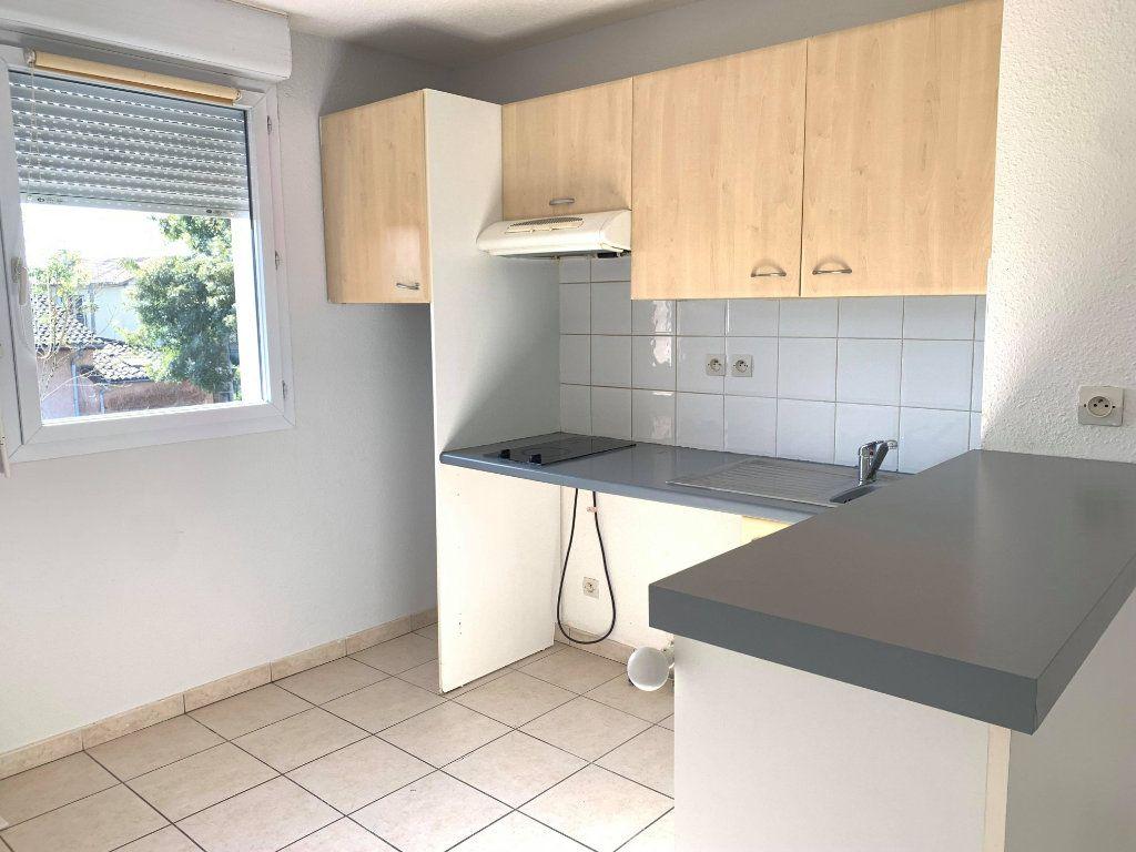Appartement à louer 3 61m2 à Castelginest vignette-4