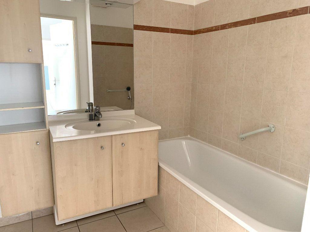 Appartement à louer 3 61m2 à Castelginest vignette-5