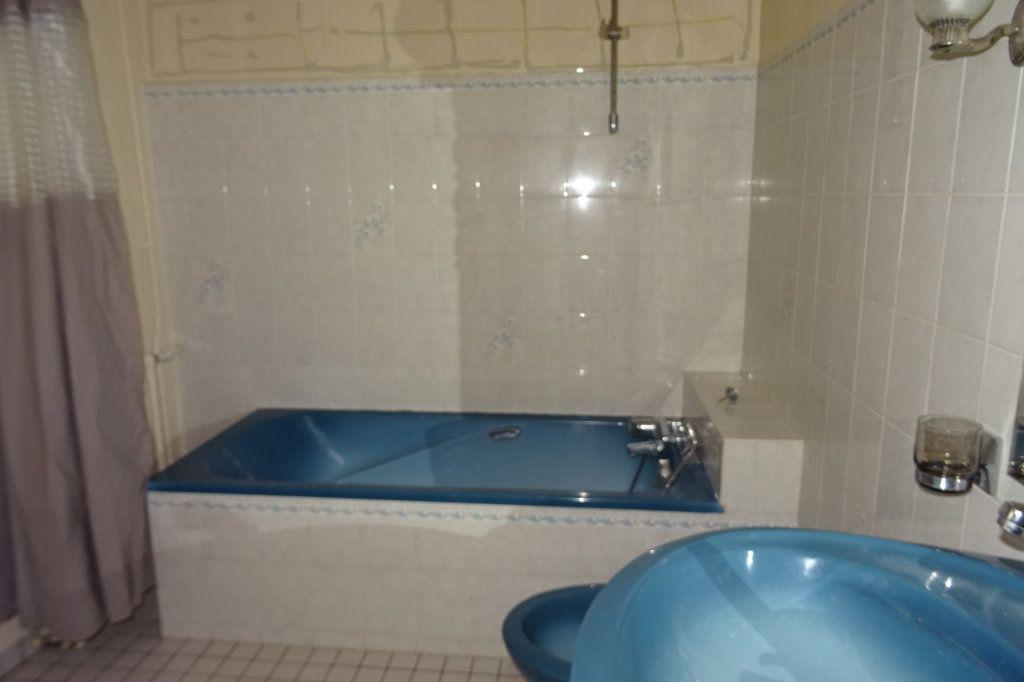 Appartement à louer 3 81.2m2 à Bayonne vignette-7