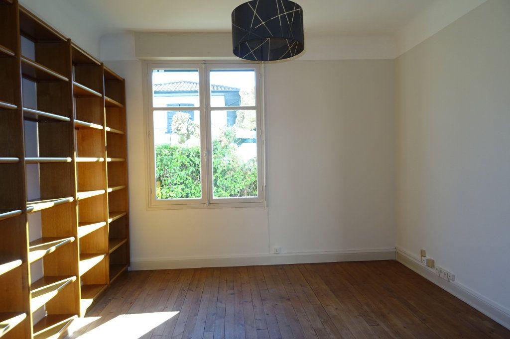 Appartement à louer 3 66.02m2 à Bayonne vignette-2