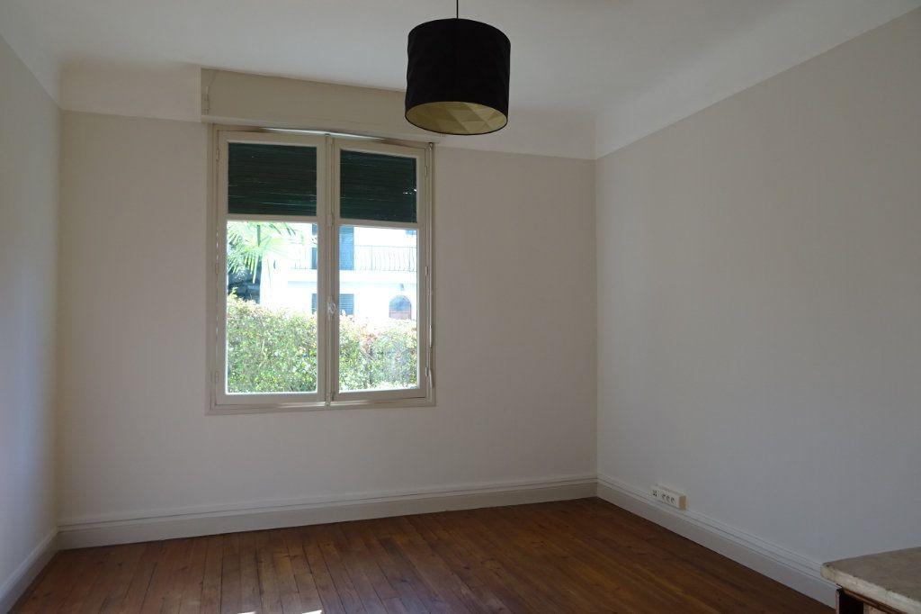 Appartement à louer 3 66.02m2 à Bayonne vignette-3