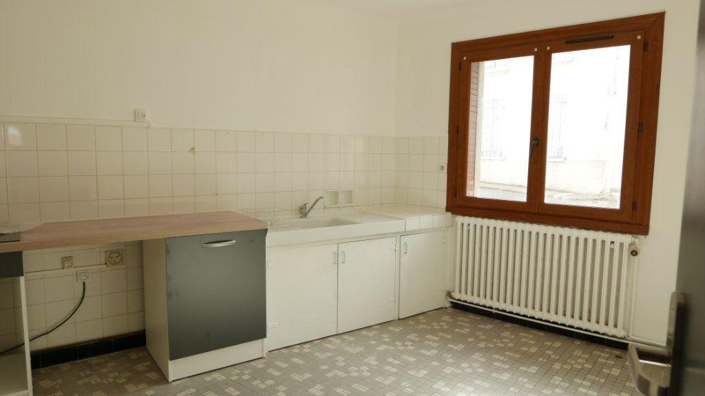 Appartement à louer 2 61m2 à Loriol-sur-Drôme vignette-2