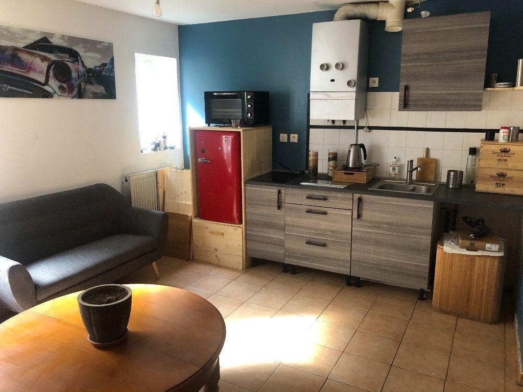 Appartement à louer 1 25m2 à Loriol-sur-Drôme vignette-1