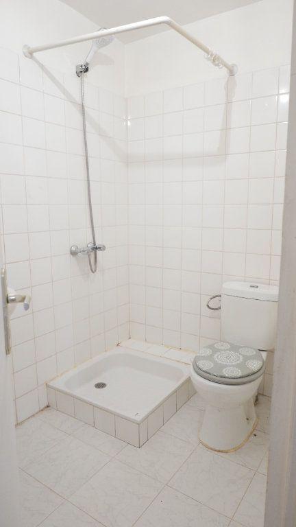 Appartement à louer 1 25m2 à Loriol-sur-Drôme vignette-3