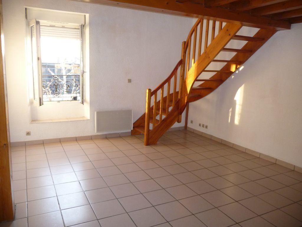 Appartement à louer 1 39m2 à Livron-sur-Drôme vignette-1