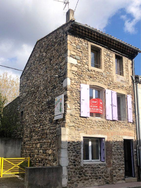 Maison à louer 4 89m2 à Saint-Laurent-du-Pape vignette-1