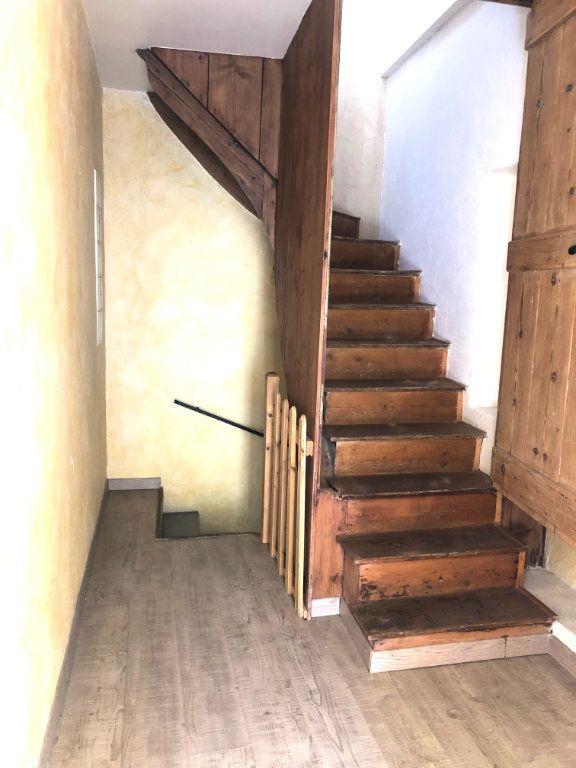 Maison à louer 4 89m2 à Saint-Laurent-du-Pape vignette-5