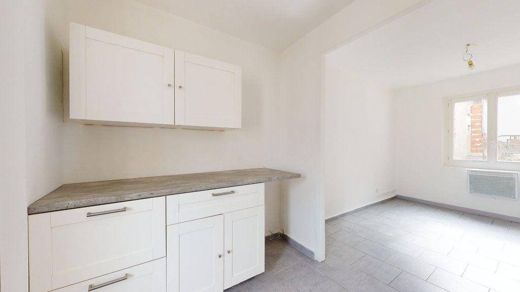 Appartement à louer 4 74m2 à Loriol-sur-Drôme vignette-2