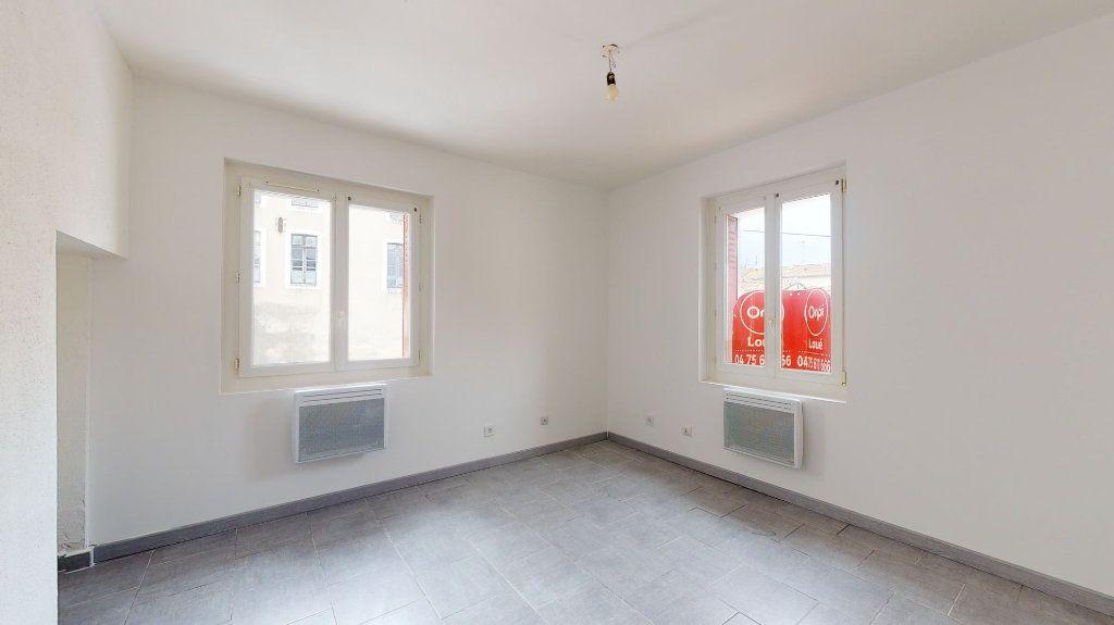 Appartement à louer 4 74m2 à Loriol-sur-Drôme vignette-3