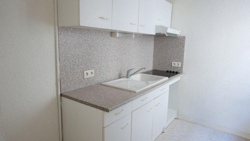 Appartement à louer 2 35.69m2 à La Voulte-sur-Rhône vignette-3