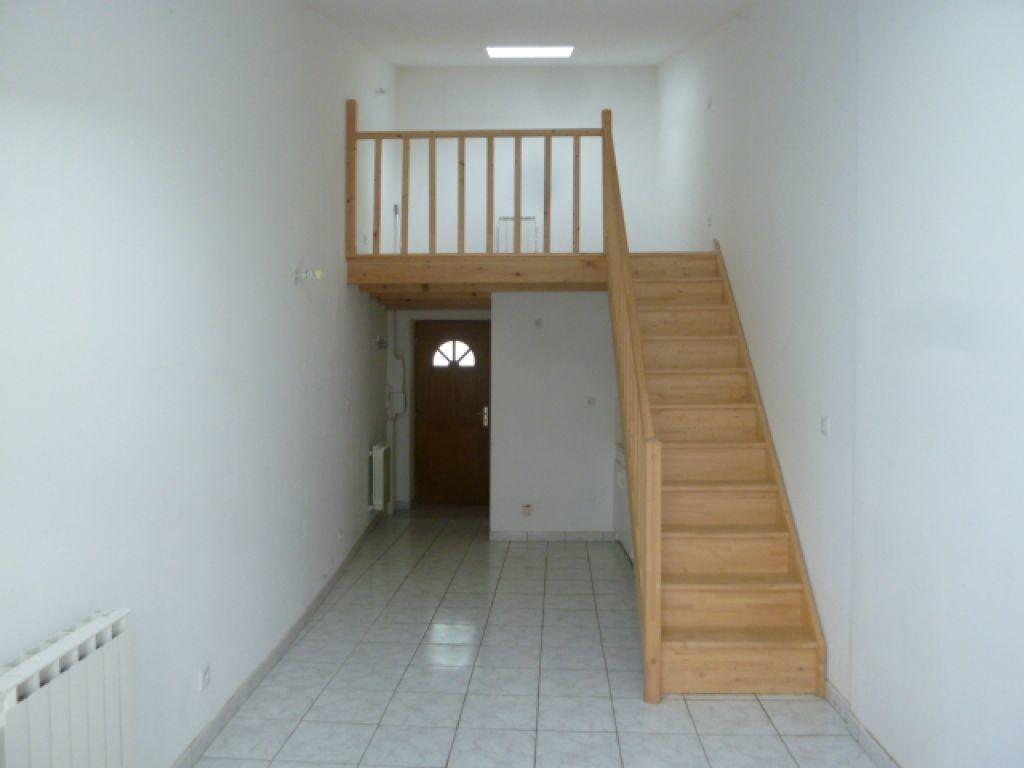 Appartement à louer 1 34.15m2 à Loriol-sur-Drôme vignette-1