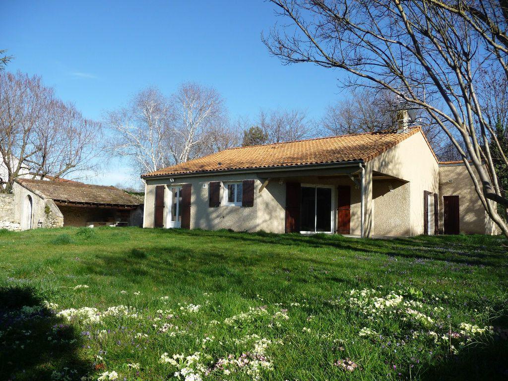 Maison à louer 3 86m2 à Loriol-sur-Drôme vignette-1