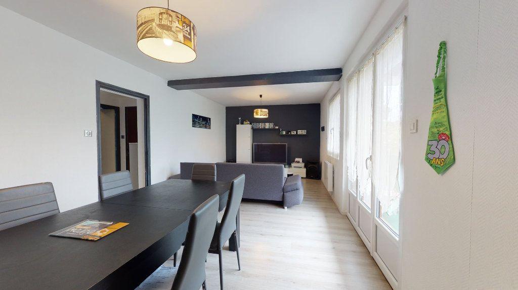 Appartement à vendre 4 74m2 à Crest vignette-1