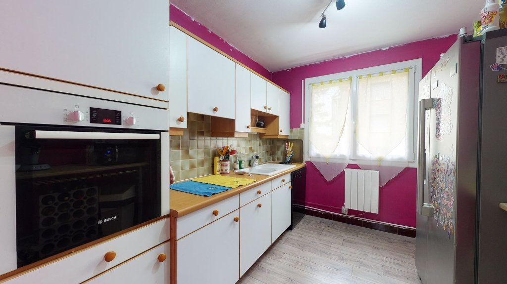 Appartement à vendre 4 74m2 à Crest vignette-3
