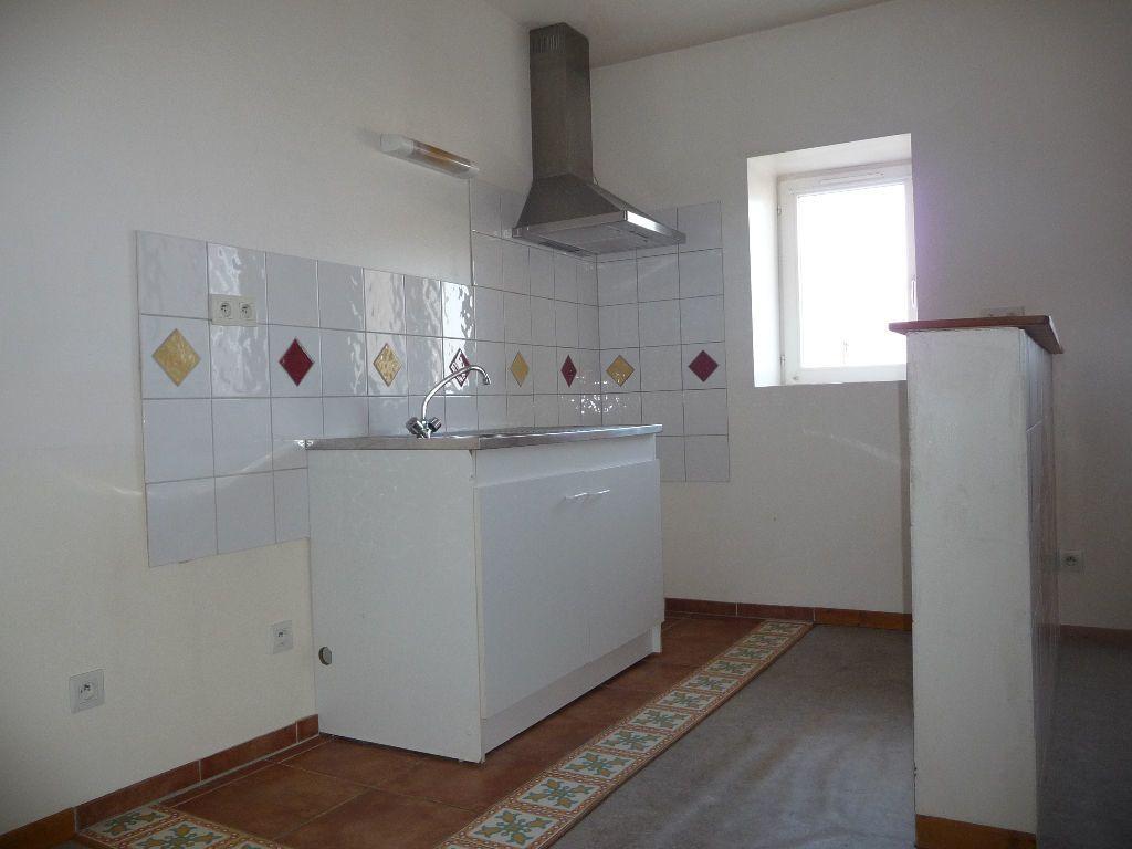 Appartement à louer 3 60m2 à Livron-sur-Drôme vignette-2