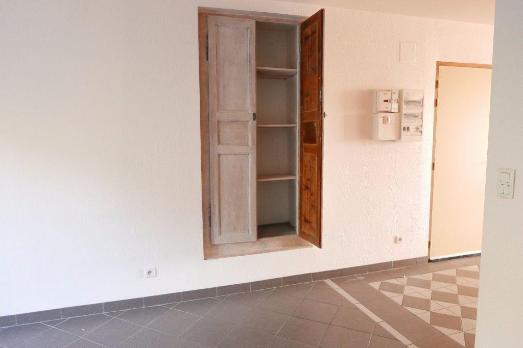 Appartement à louer 3 85m2 à Livron-sur-Drôme vignette-3
