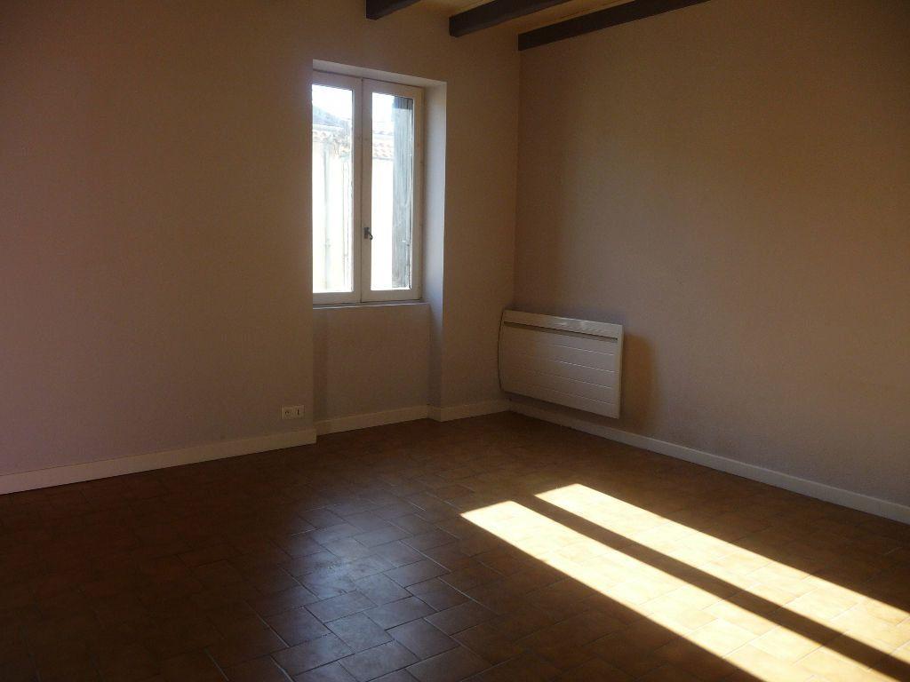 Appartement à louer 2 59.39m2 à La Voulte-sur-Rhône vignette-2