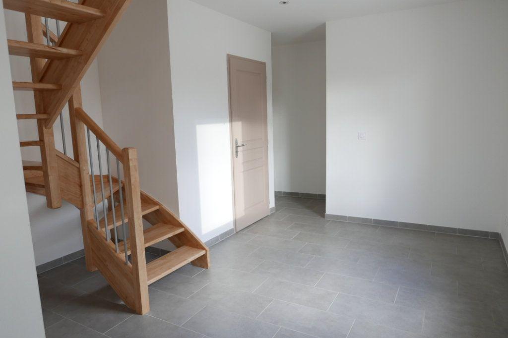 Appartement à louer 3 80m2 à Baix vignette-4