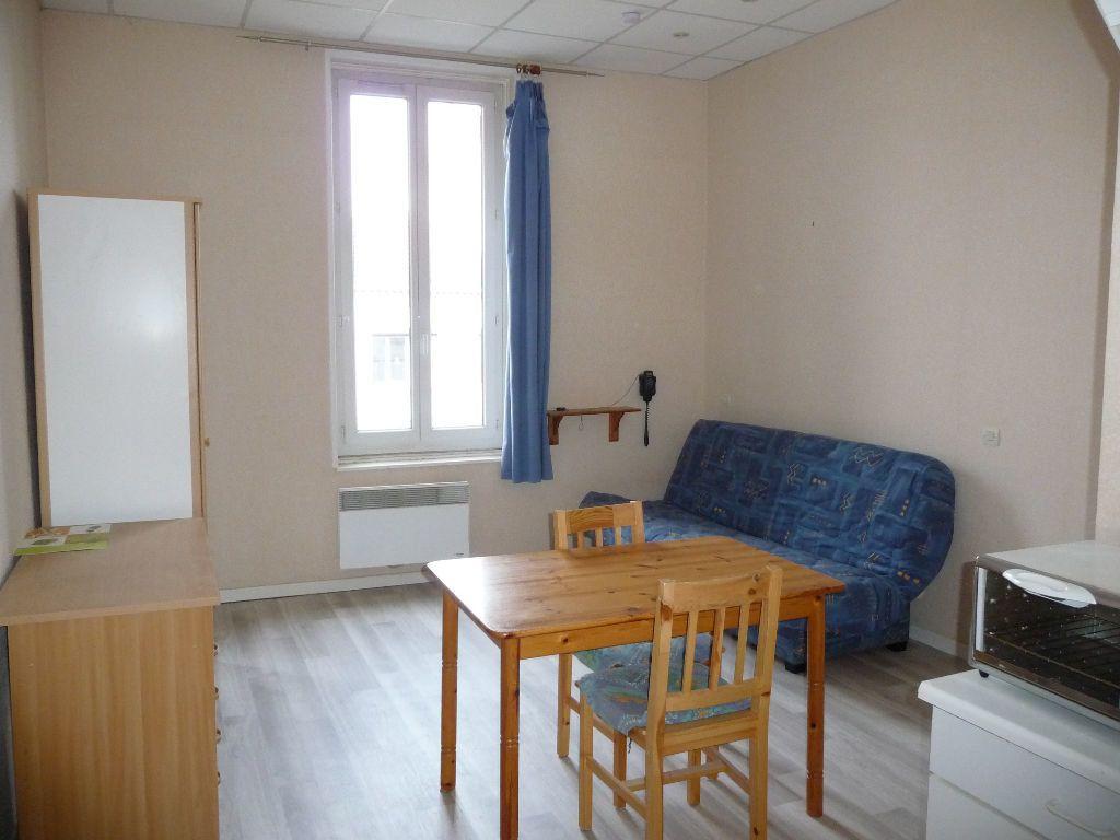 Appartement à louer 1 20m2 à Montélimar vignette-3