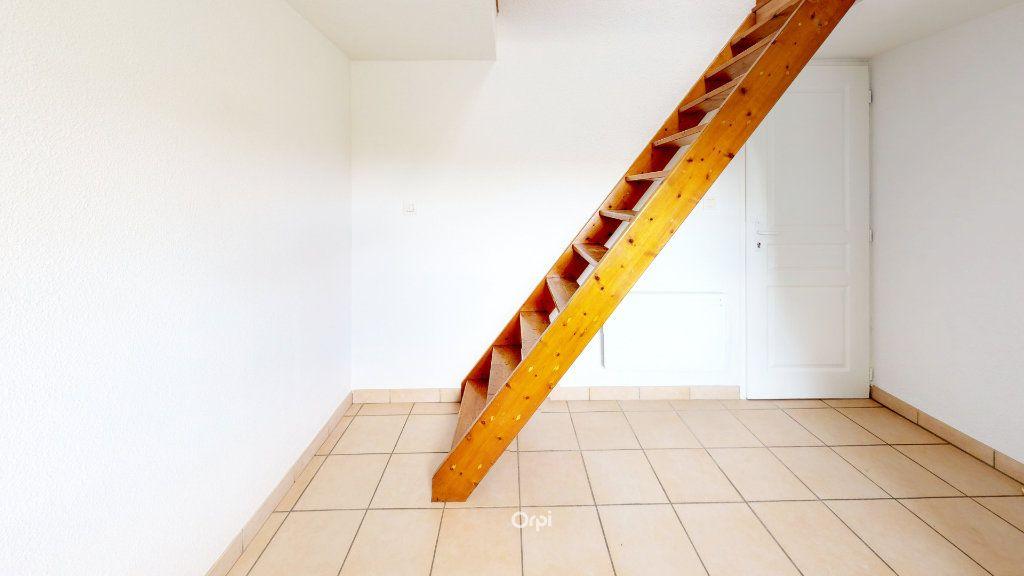 Appartement à louer 1 13.5m2 à Tournon-sur-Rhône vignette-5