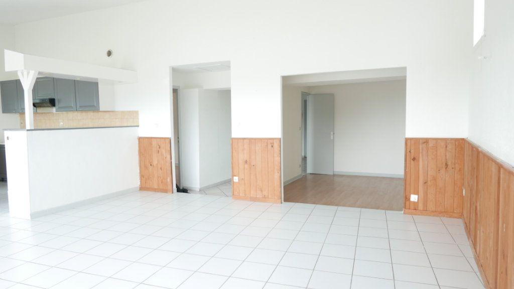 Appartement à louer 4 92m2 à Loriol-sur-Drôme vignette-6