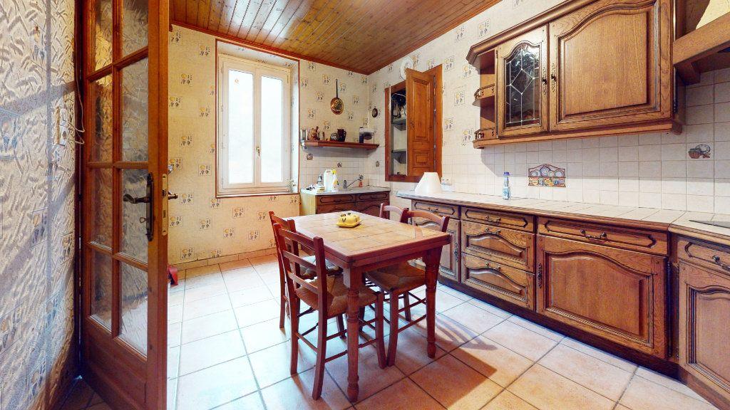 Maison à vendre 6 113m2 à Saint-Maurice-en-Chalencon vignette-3