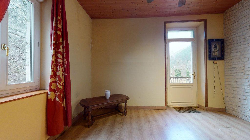 Maison à vendre 6 113m2 à Saint-Maurice-en-Chalencon vignette-8