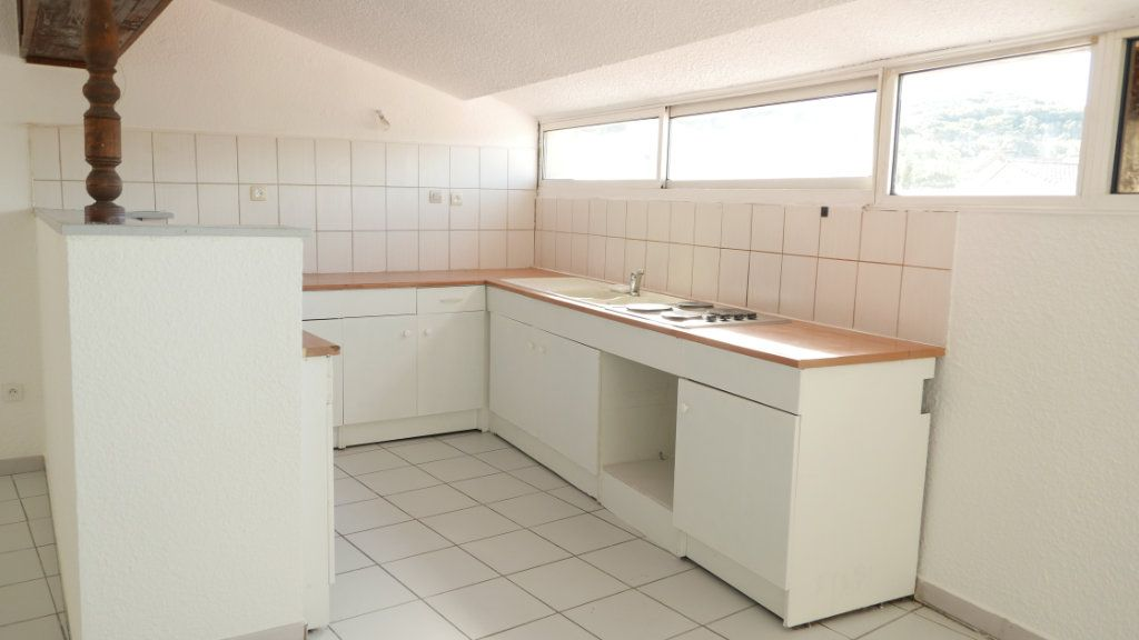 Appartement à louer 4 81.75m2 à Loriol-sur-Drôme vignette-1