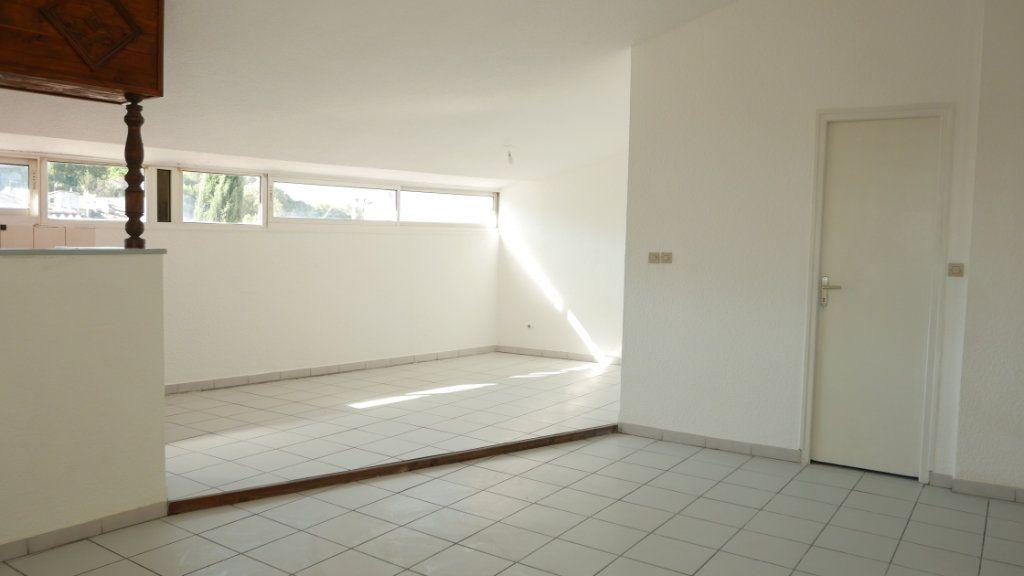 Appartement à louer 4 81.75m2 à Loriol-sur-Drôme vignette-2