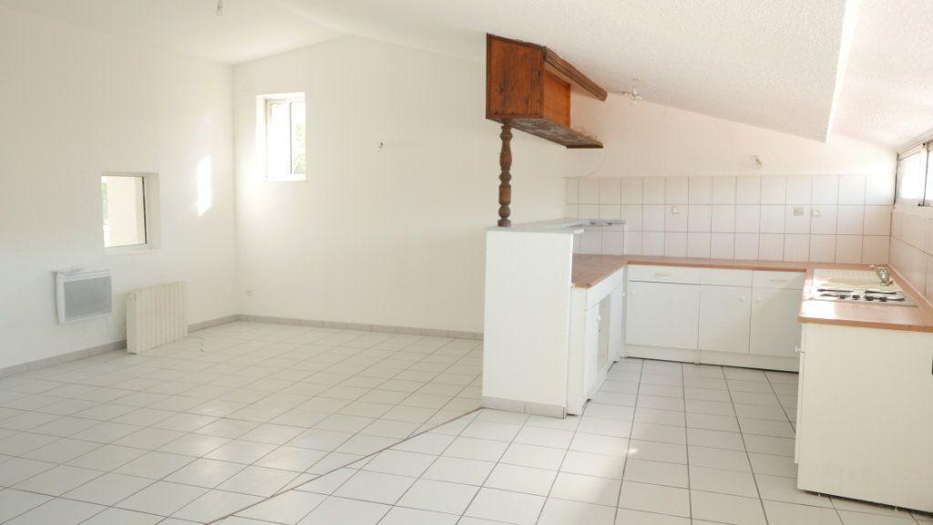 Appartement à louer 4 81.75m2 à Loriol-sur-Drôme vignette-4