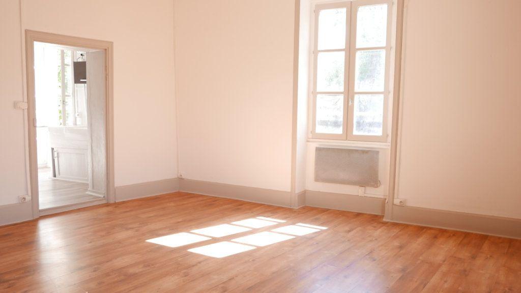 Appartement à louer 2 51m2 à La Voulte-sur-Rhône vignette-2
