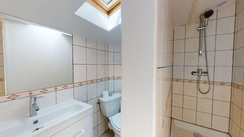 Appartement à louer 2 31m2 à Tournon-sur-Rhône vignette-5