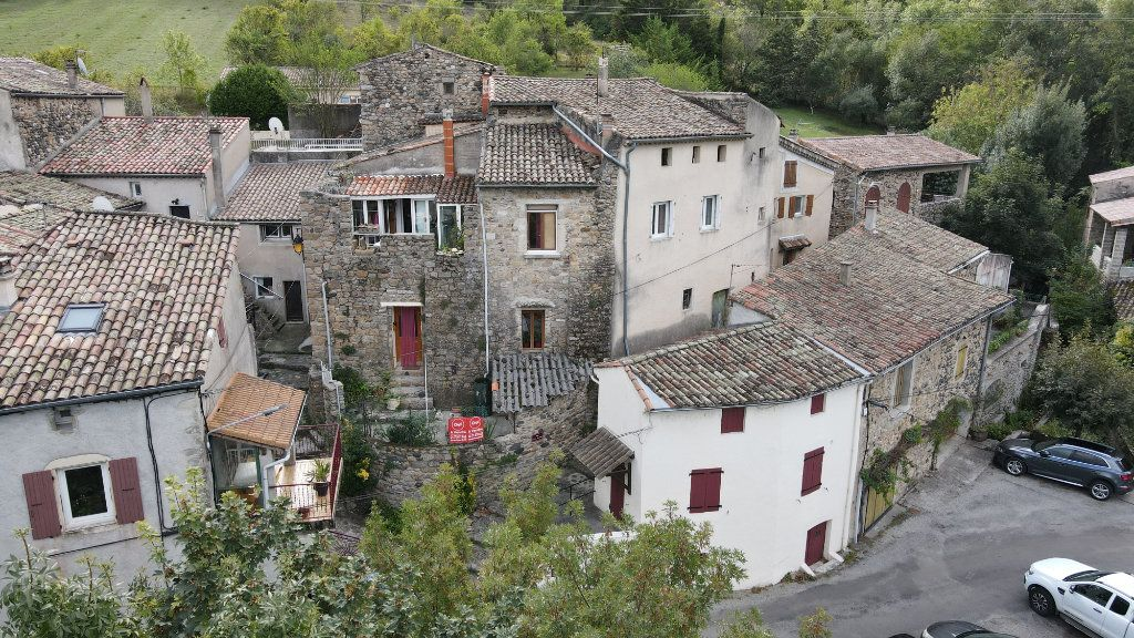 Maison à vendre 9 185m2 à Saint-Julien-en-Saint-Alban vignette-1