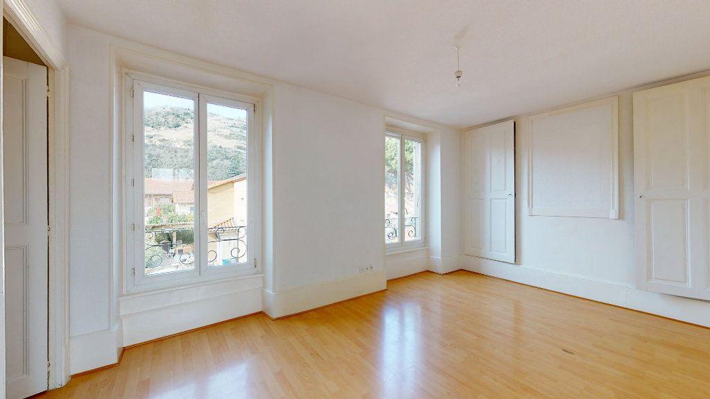 Appartement à louer 1 33m2 à Tournon-sur-Rhône vignette-2