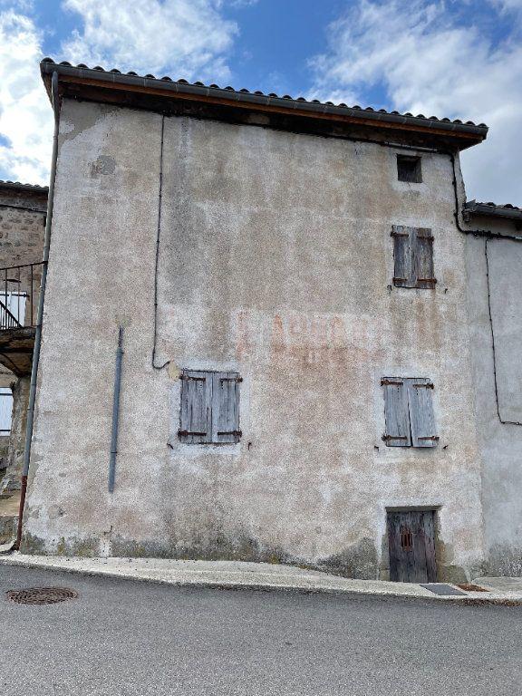 Maison à vendre 3 110m2 à Marcols-les-Eaux vignette-2